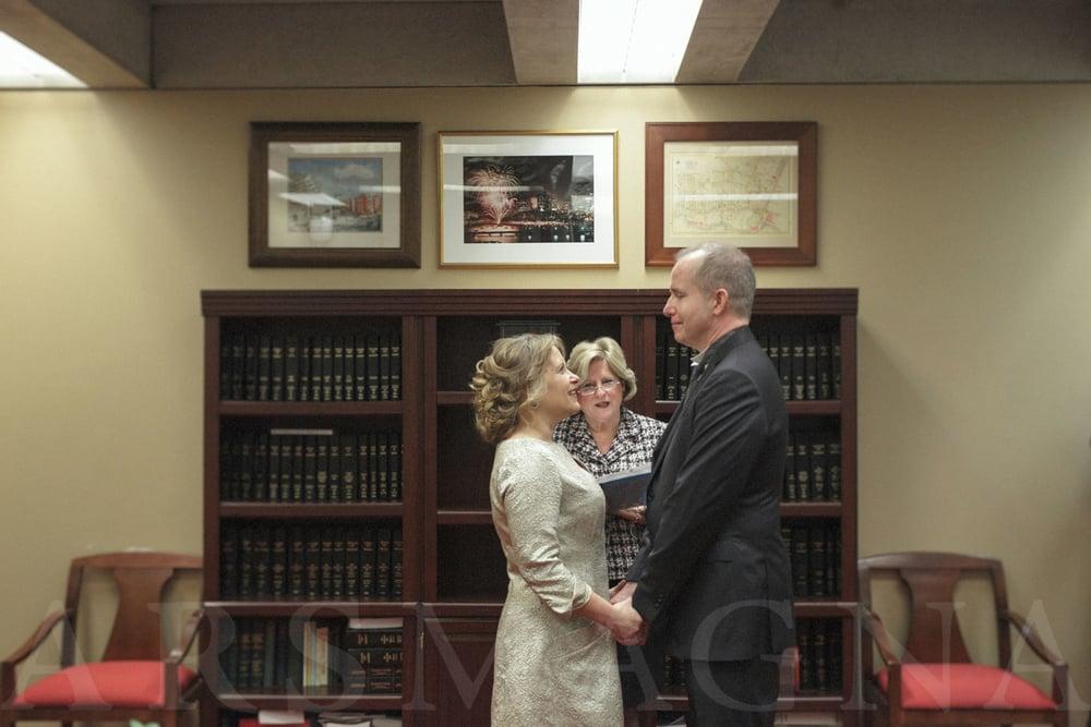 boston-city-hall-elopement-micro-wedding-07.jpg