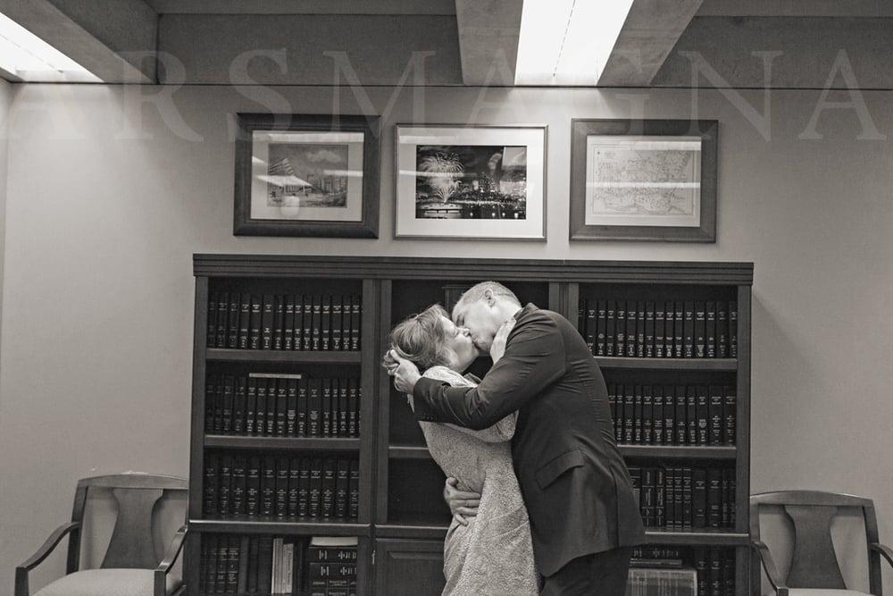boston-city-hall-elopement-micro-wedding-08.jpg