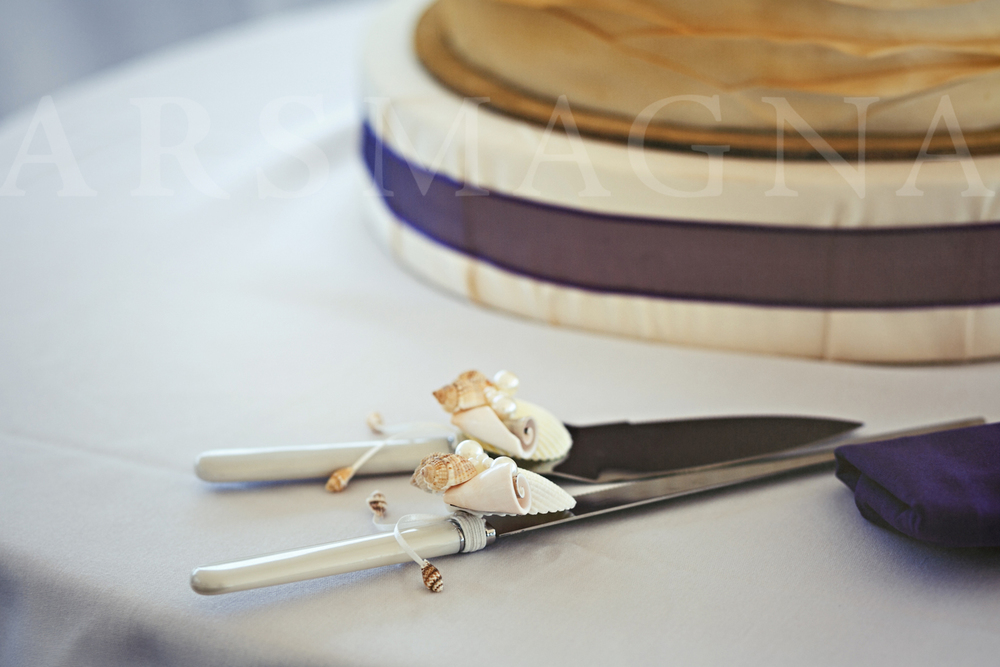 cake knife and server set decorated with shells