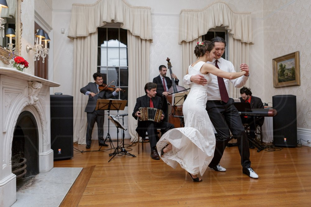 commanders mansion tango first dance live band wedding photographer