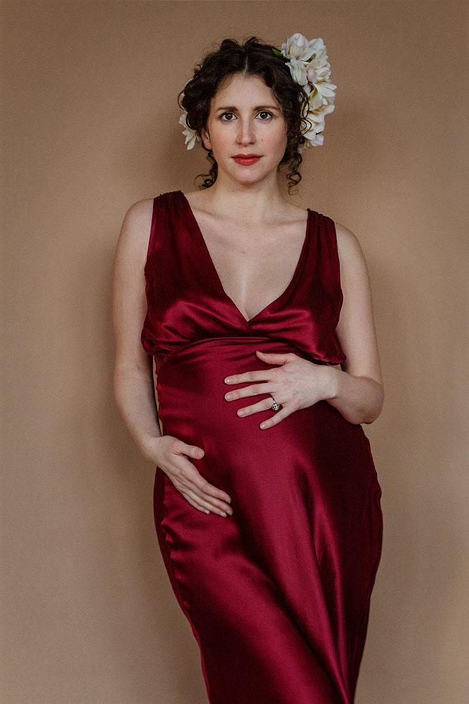 pregnancy-photos-boston-red-dress
