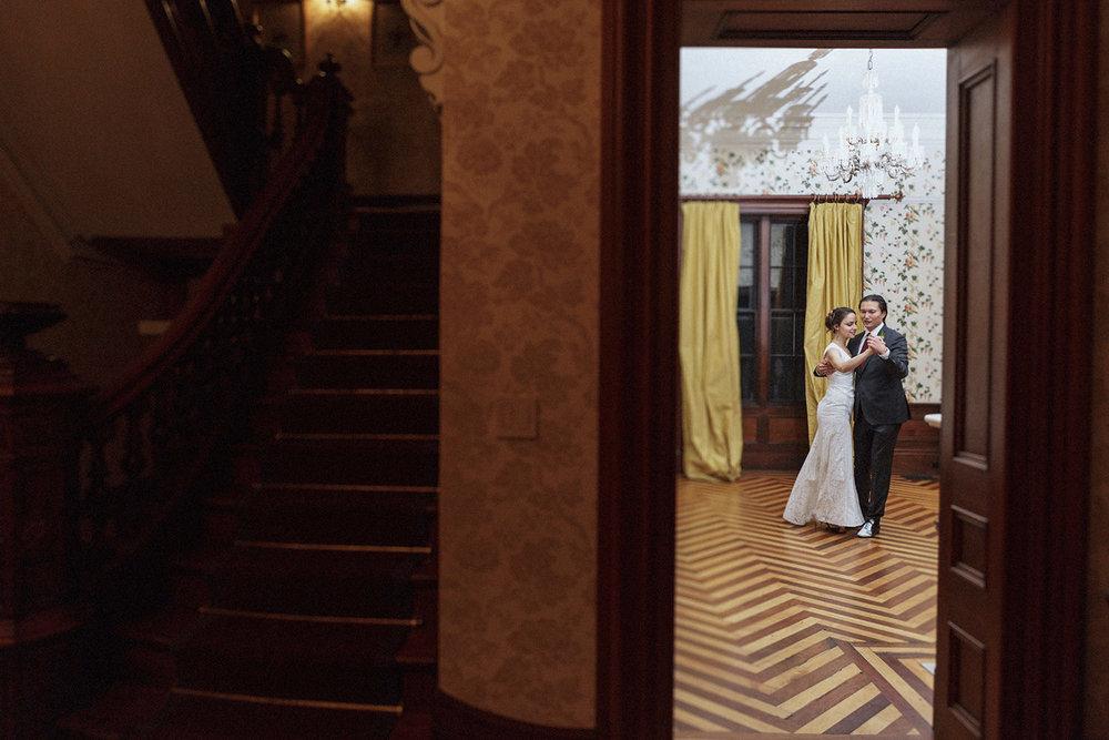commanders mansion arlington wedding pictures