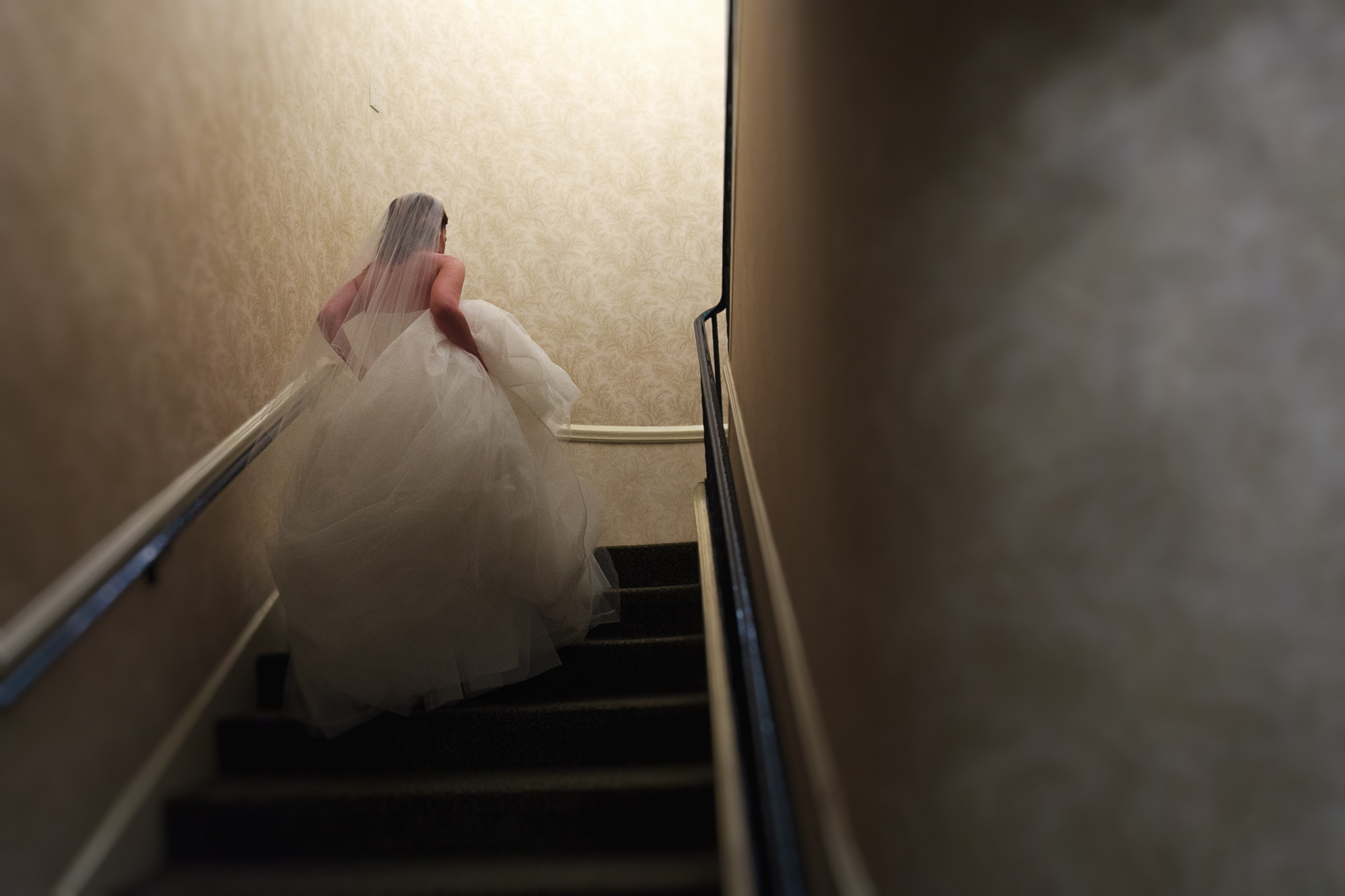 omni parker house wedding photographer boston bride staircase