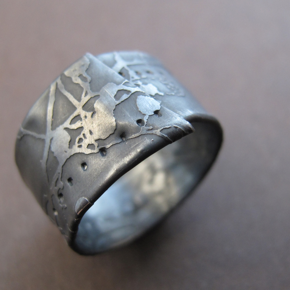 wrapped oxidised etched silver ring.jpg