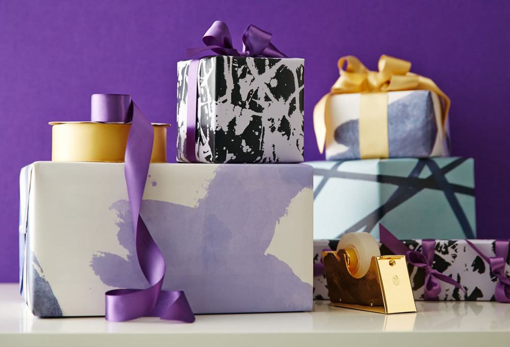 ONE KINGS LANE DESIGNER SERIES GIFT WRAP KELLY WEARSTLER