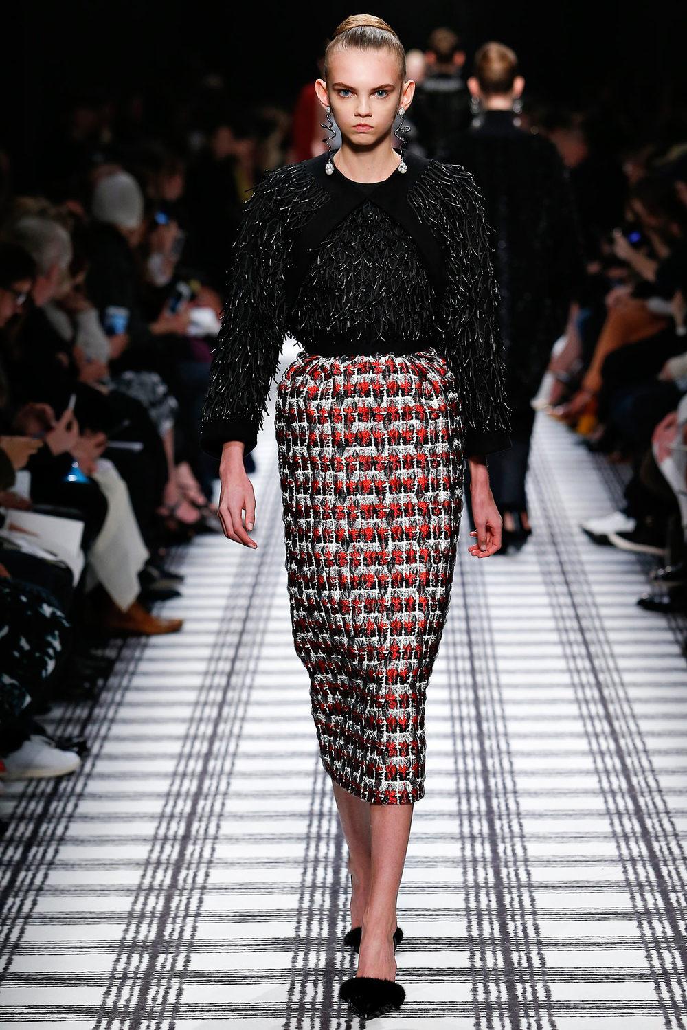 Balenciaga PFW Fall 2015.jpg