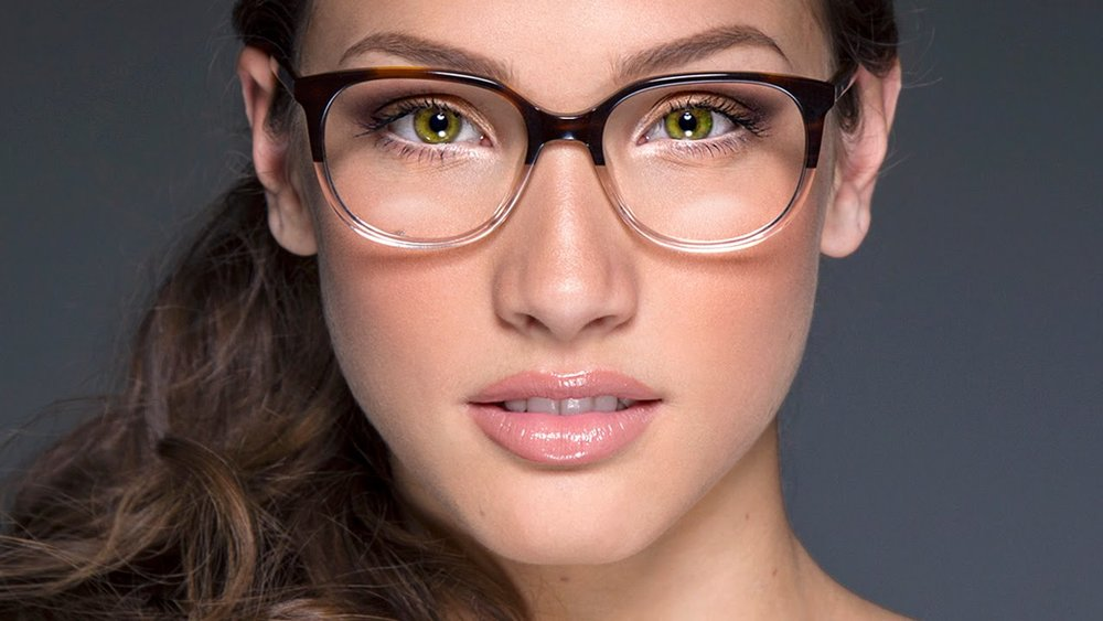 eyeglass makeup