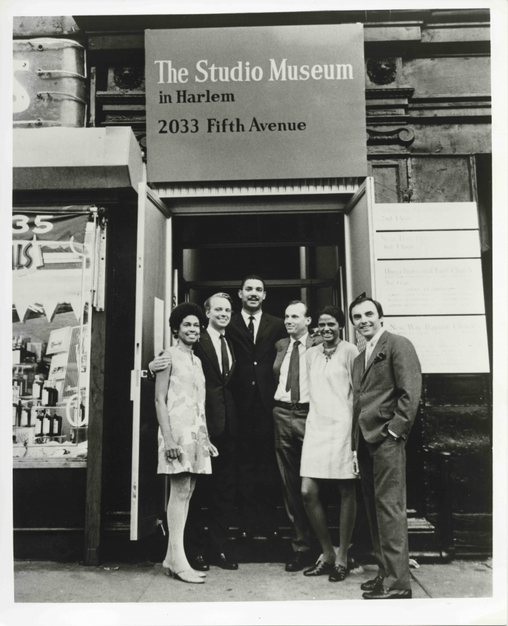 Founding-members-and-staff-of-the-Studio-Museum-in-Harlem-including-Betty-Blayton-Taylor-second-to-har-right_Courtesy-of-The-Studio-Museum-in-Harlem-720x888.jpg