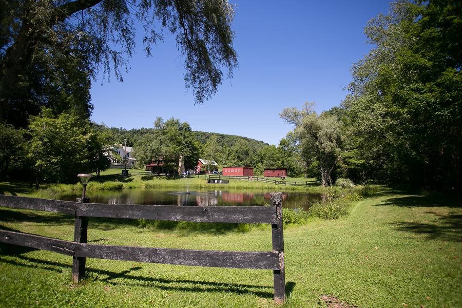 Karlo Gesner Photography Chanteclaire Farm Deep Creek Lake Lancaster Philadelphia Wedding Photographer 0002.JPG
