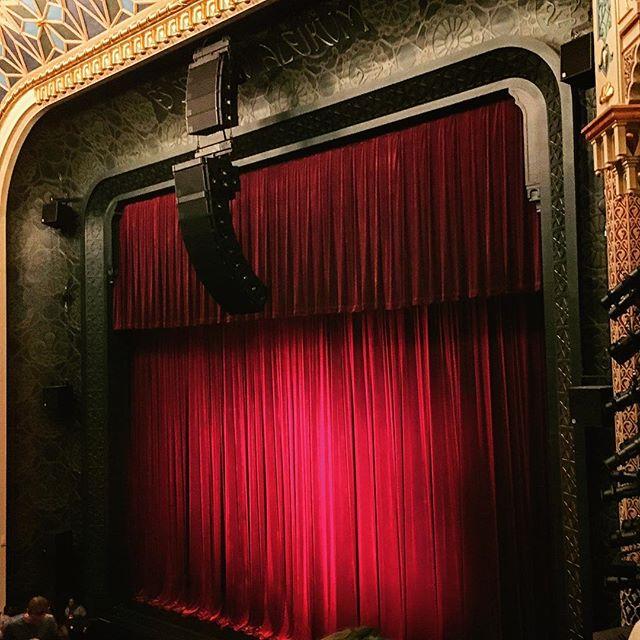 Interpretative Date at the Bae-llet! 👍🏼#alvinailey #datenight #nyc #midtown #theatre #ballet