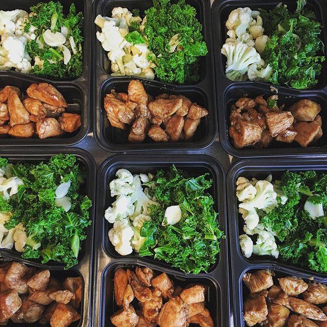 Eatin' well this week.  Teriyaki Chicken (low sodium aminos) steemed cauliflower, lemon garlic sautéed kale. #mealprep #healthy #eating #instagood #mealprepsunday