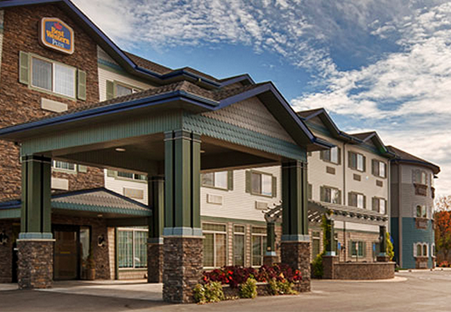 BEST WESTERN We have a block of rooms at the hotel - just mention our names for a discounted rate.  (315) 536-8473 Also check this hotel.
