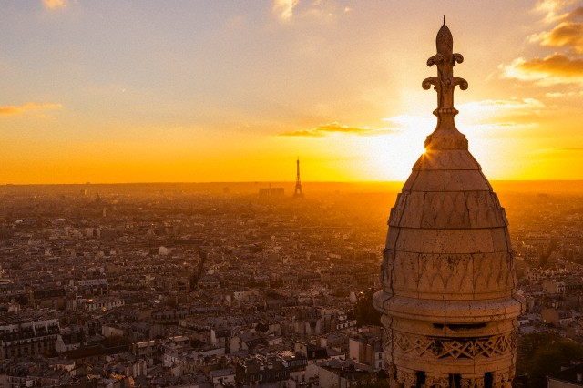 Sunset and snacks on the Hill at Montmartre - $30