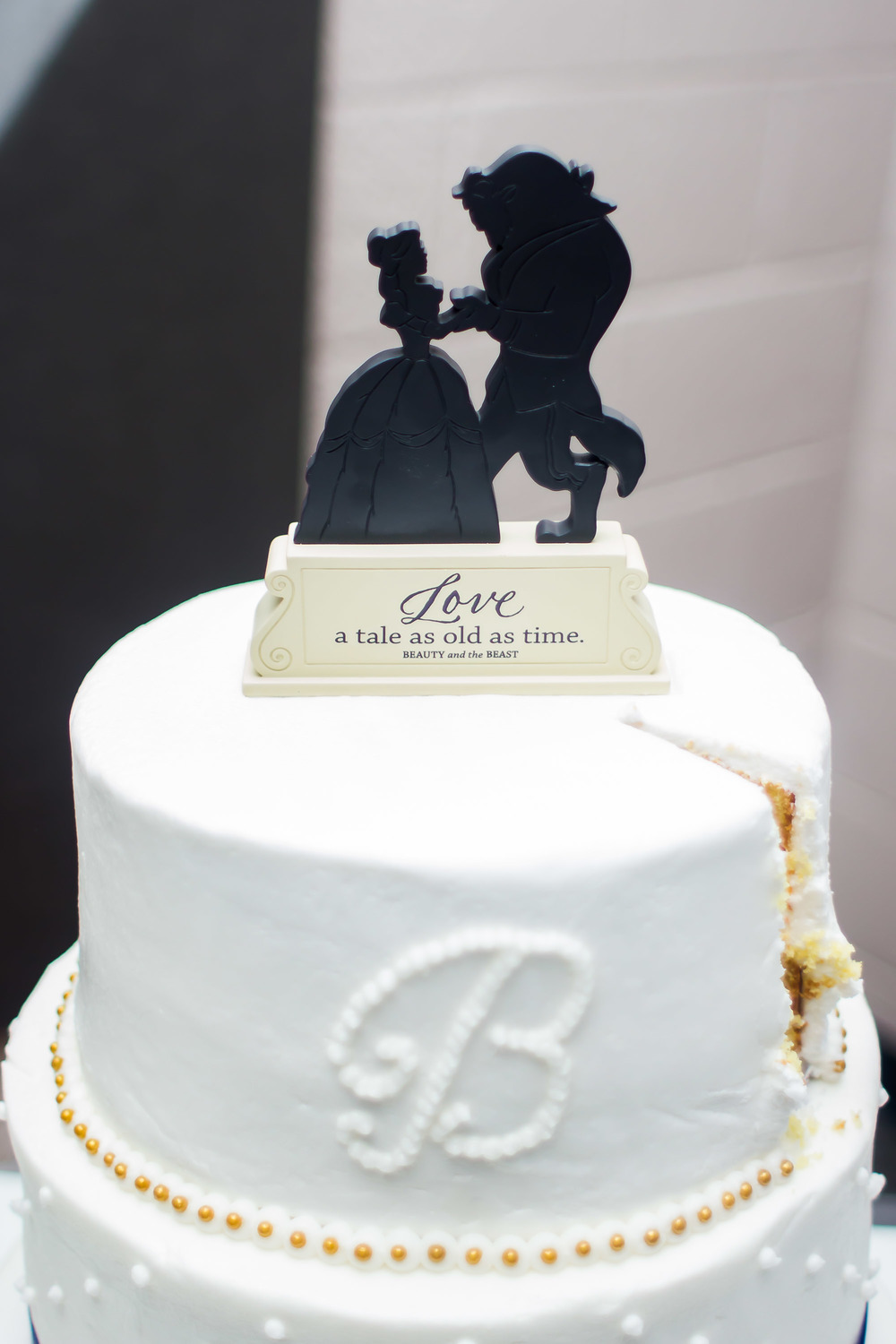 beauty and the beast cake wedding