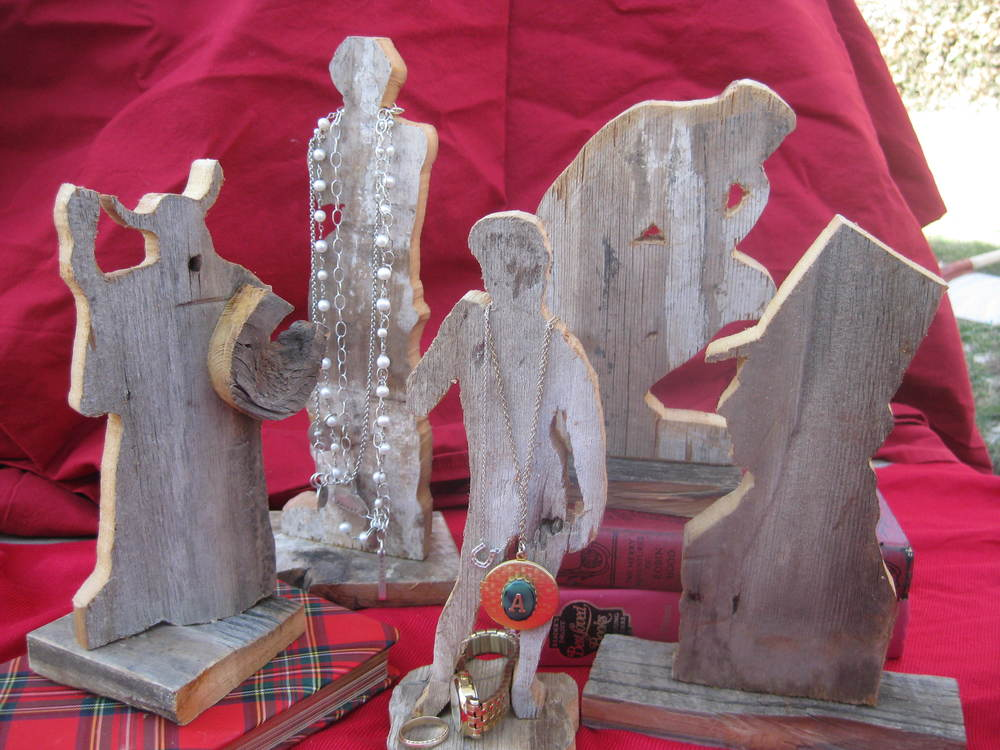 reclaimed wood figures