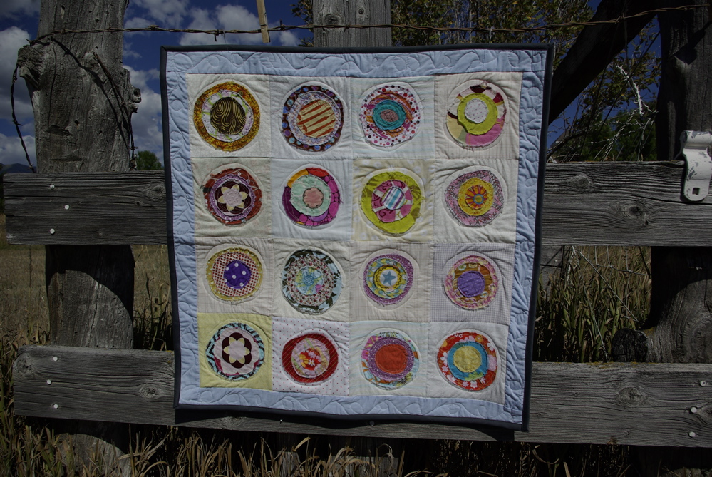 tiny quilt (3'X3') by noelleodesigns