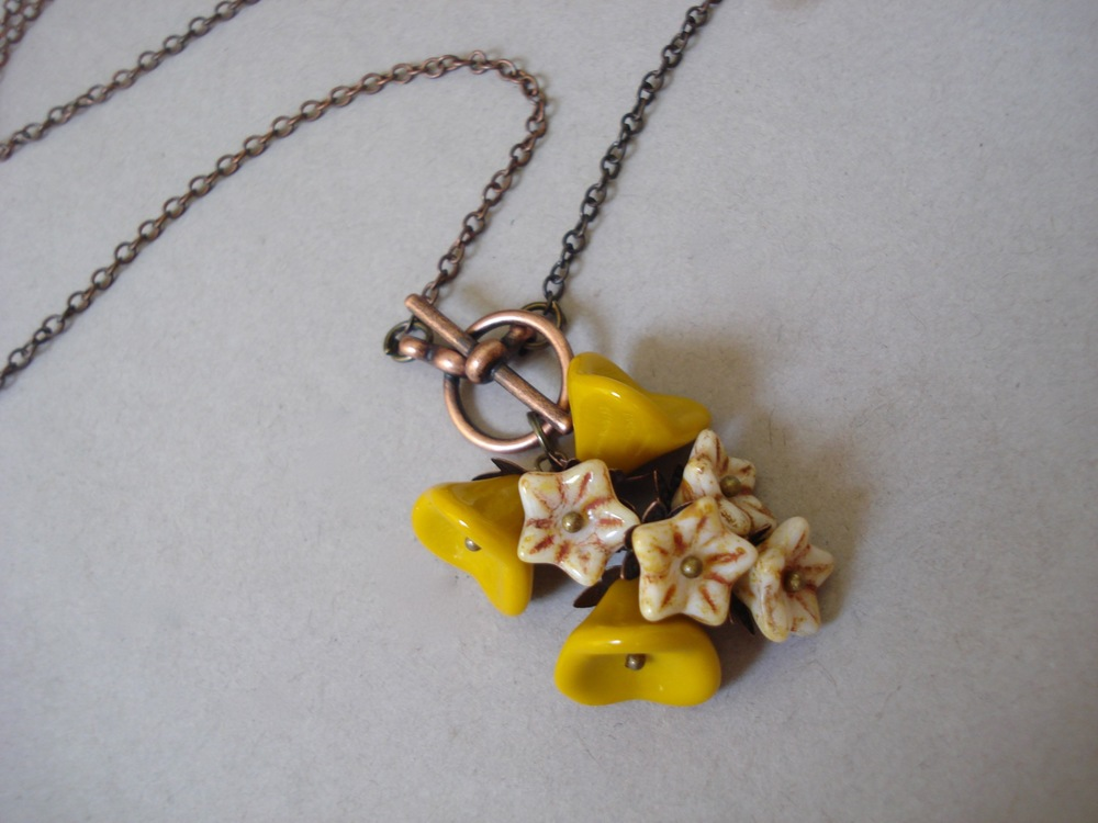 yellow rose lariat