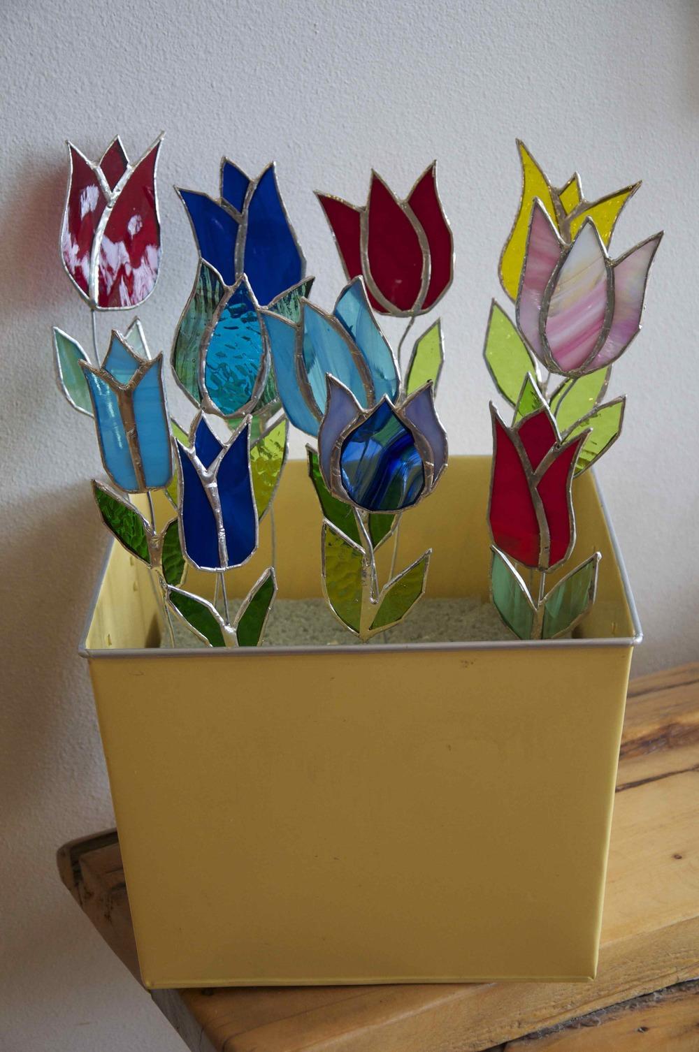 tulip vase 1