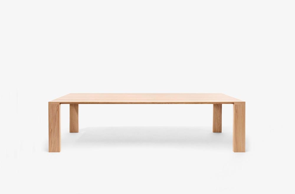 Radii Dining table