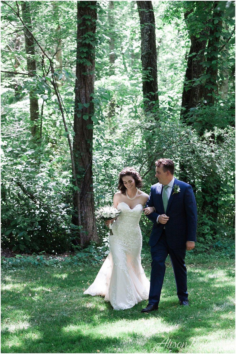 2018-05-23_0001LandC_wedding_dancingbearlodge_townsend_tn_amp.jpg