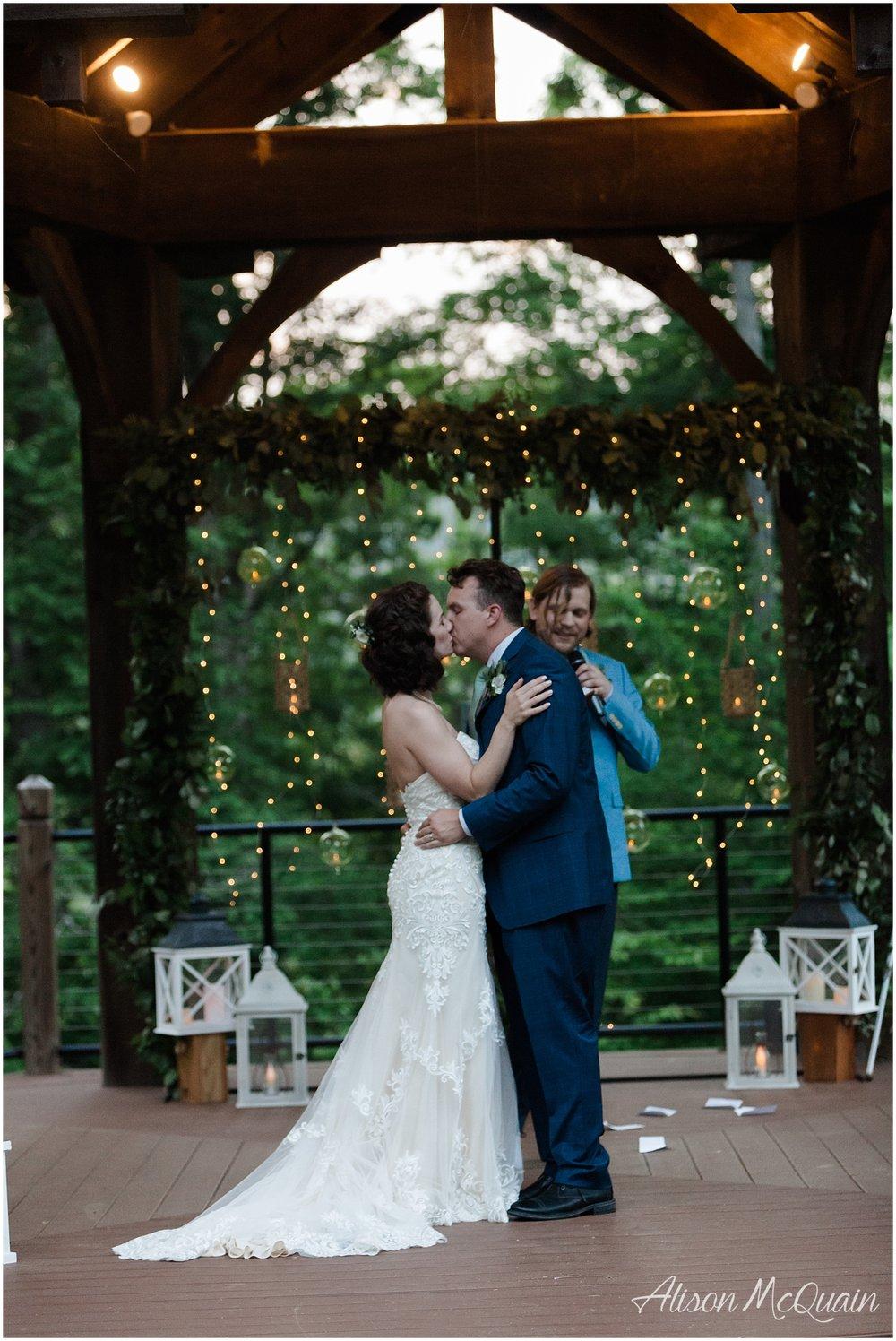 2018-05-23_0046LandC_wedding_dancingbearlodge_townsend_tn_amp.jpg