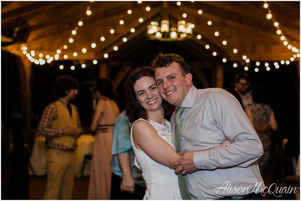 2018-05-23_0052LandC_wedding_dancingbearlodge_townsend_tn_amp.jpg