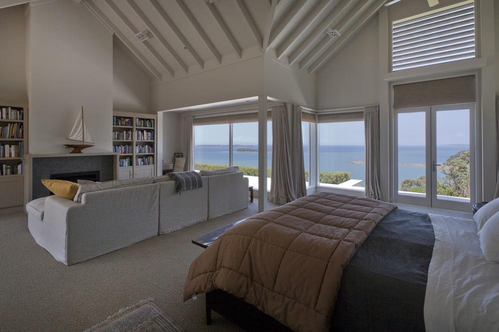 Tu Ngutu-1488-master bedroom.jpg