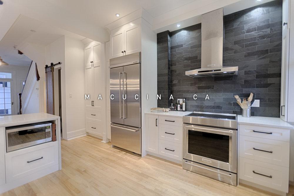Cuisines classiques armoires de cuisine laval macucina armoires de cuisine et vanit s sur for Cuisine blanche classique