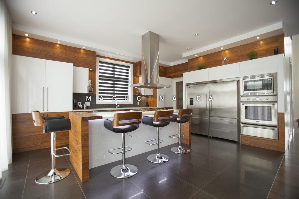 cuisines contemporaines armoires de cuisine laval macucina armoires de cuisine et vanit s. Black Bedroom Furniture Sets. Home Design Ideas