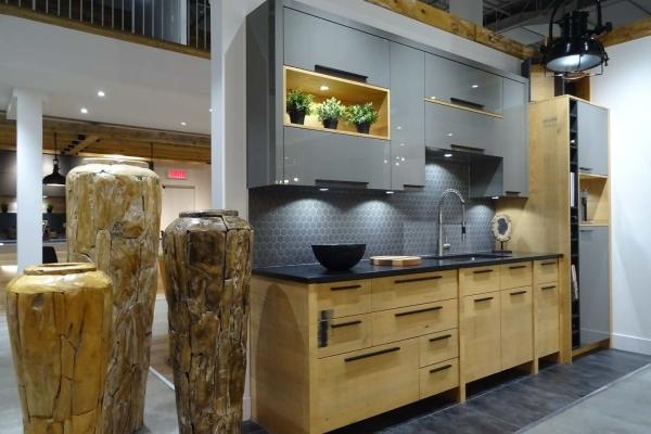 Salle de montre de cuisine chez MACUCINA à Laval