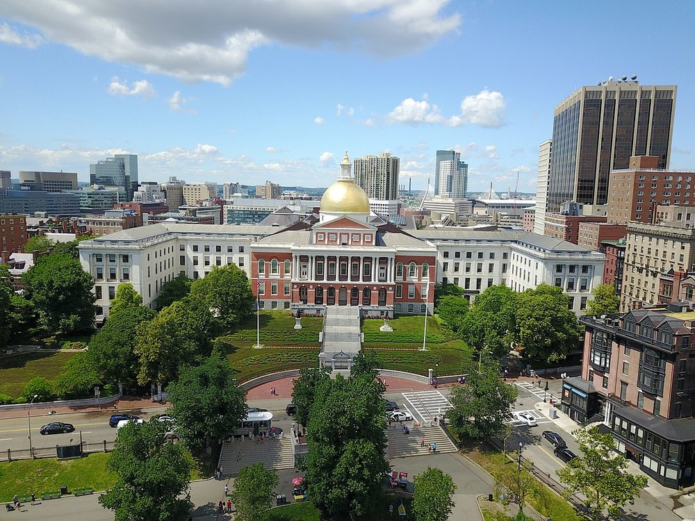 The Massachusetts State House. Credit:  AbhiSuryawanshi ,  Wikimedia Commons .