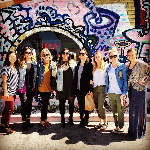 Volcom lunch crew! Been missin @mikaylamlinn ✌🏻❤🌮 #volcom #volcomsnow #volcomwomens #tacomesa #costamesa #costamazing #girlcrew #truetothis