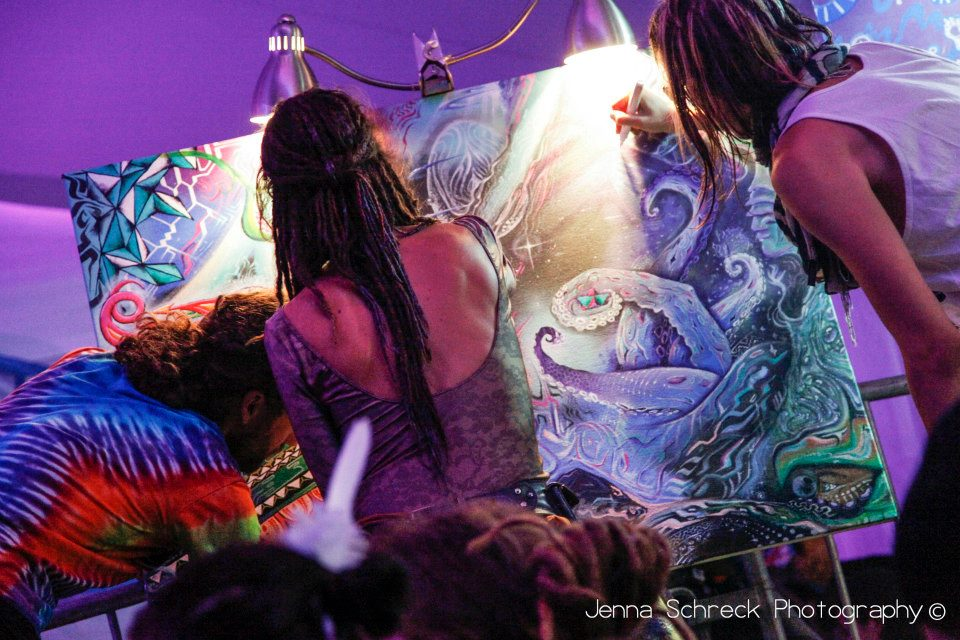 Live Painting by Krystleyez, Justin Totemical and Micael Garfield at Rootwire, Ohio, 2012.