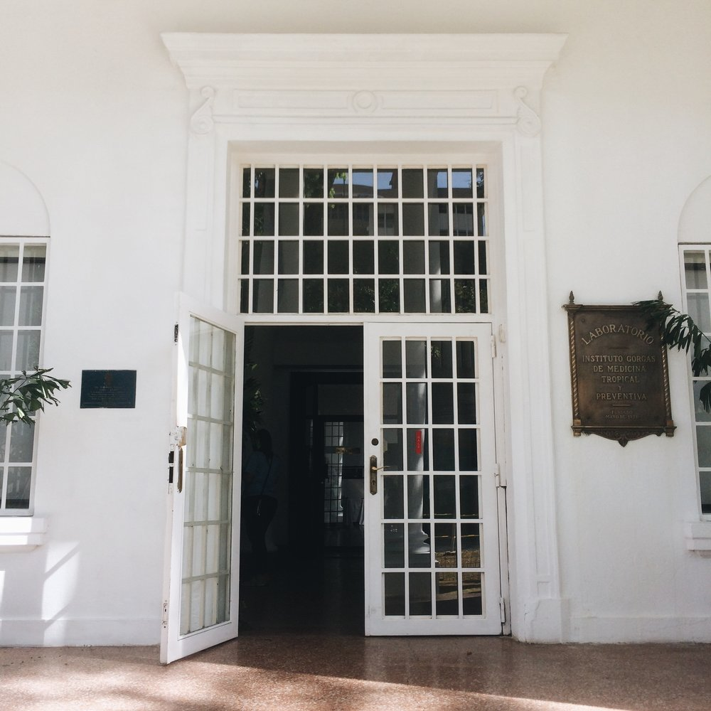 La entrada principal al Instituto Gorgas.