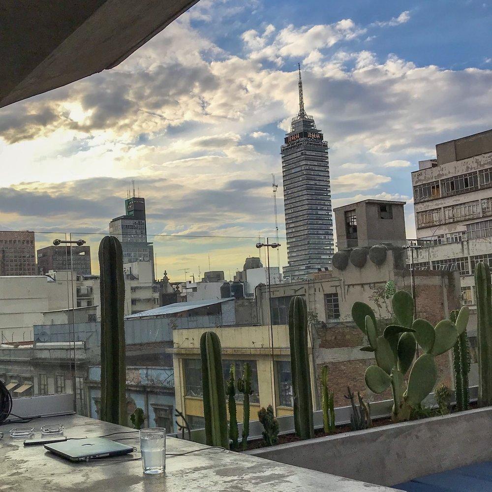 Vista desde  Malaquita Rooftop , en el  Hotel City Centro  de Ciudad de México.