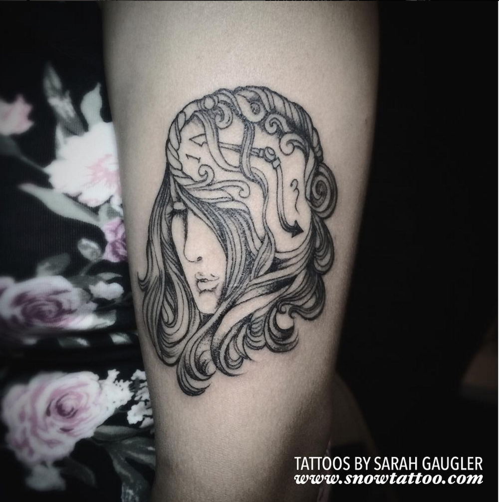 Sarah Gaugler Snow Tattoo Custom Signature Lady Clock Time Fine Line Intricate Line Finelinetattoo New York Best Tattoos Best Tattoo Artist NYC.png