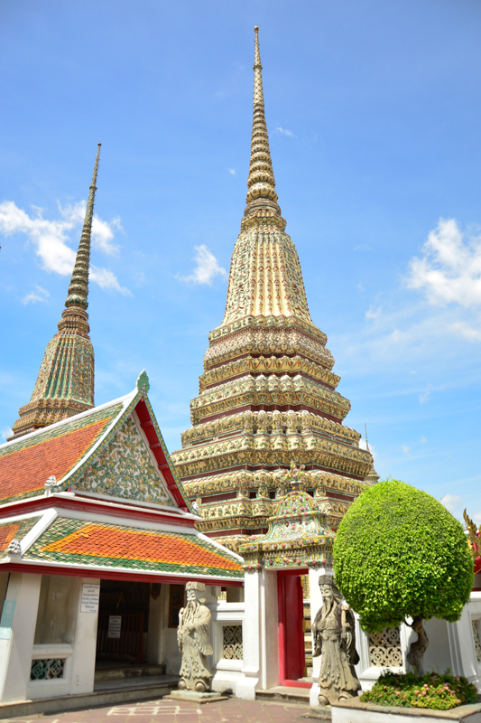 The grounds of Wat Pho