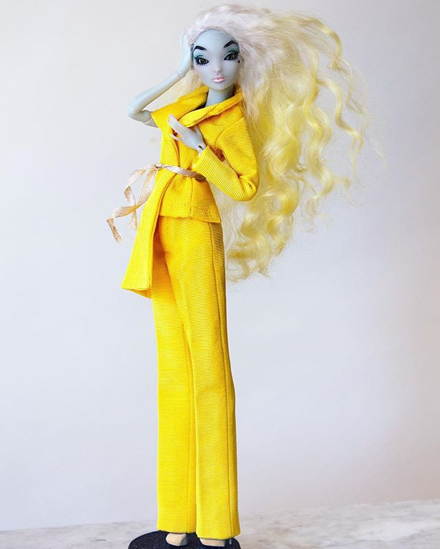 #PIDGINDOLL in the NEW custom tailored #VIKTORLUNA SS17 yellow asymmetrical suit 💛💛💛 to see more of pidgin visit her at @pidgindoll | #collaboration #vl #Dolfie #yellow #suit #moire #fashion