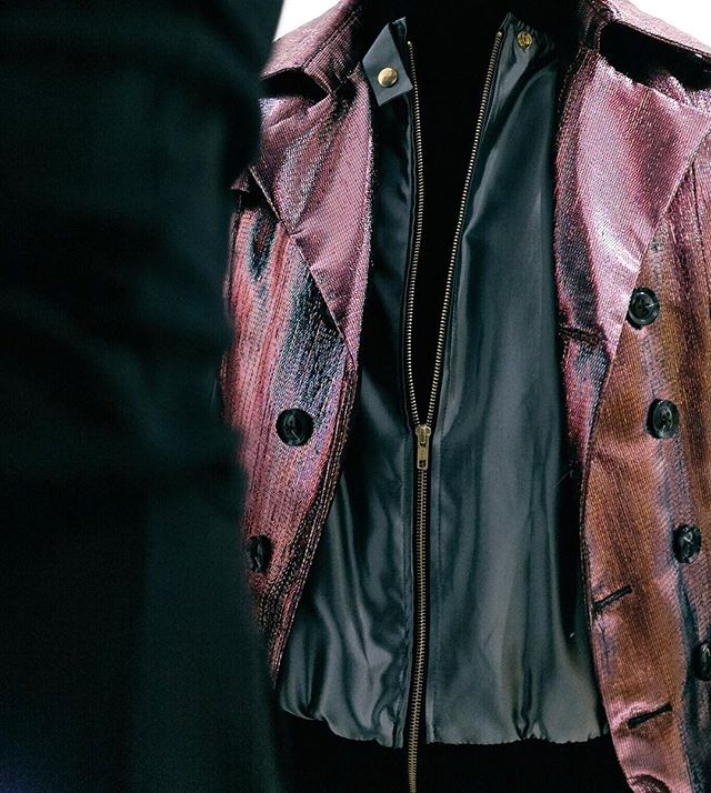 DETAILS: the #VIKTORLUNA SS17 Fuse Trench coat | photo by @james_conkle styled by @damienvaughanshippee | #Unisex #trenchcoat #chic #womenswear #mensfashion #womensfashion #fashion #menswear #glitz #runway #NYFW #eSHOP