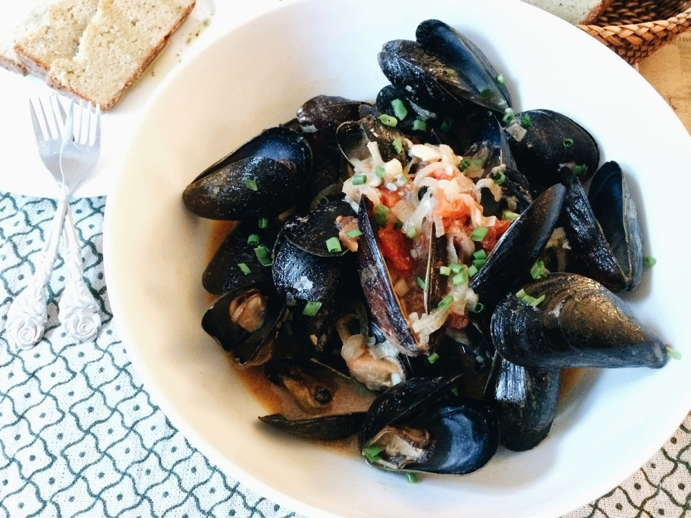 Mussels with Tomato Saffron Cream Sauce #foodbymars