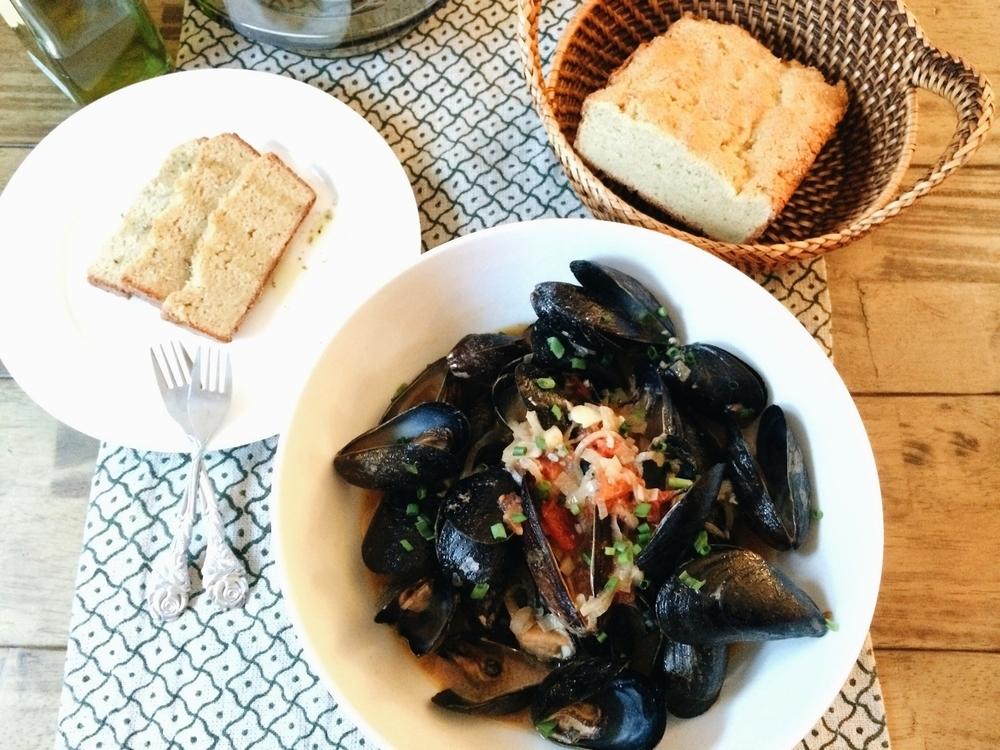 Mussels w Creamy Tomato Saffron broth #foodbymars #glutenfree