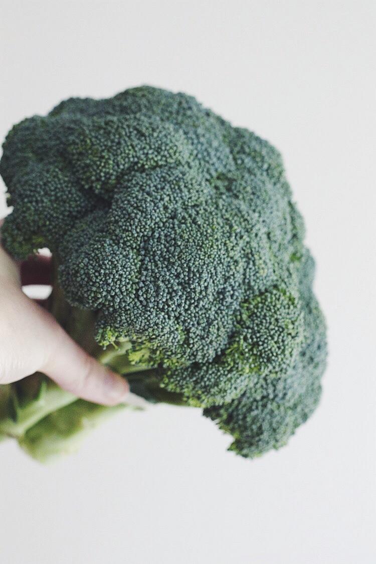 Roasted Broccoli Salad #vegetarian #side #cleaneats #foodbymars