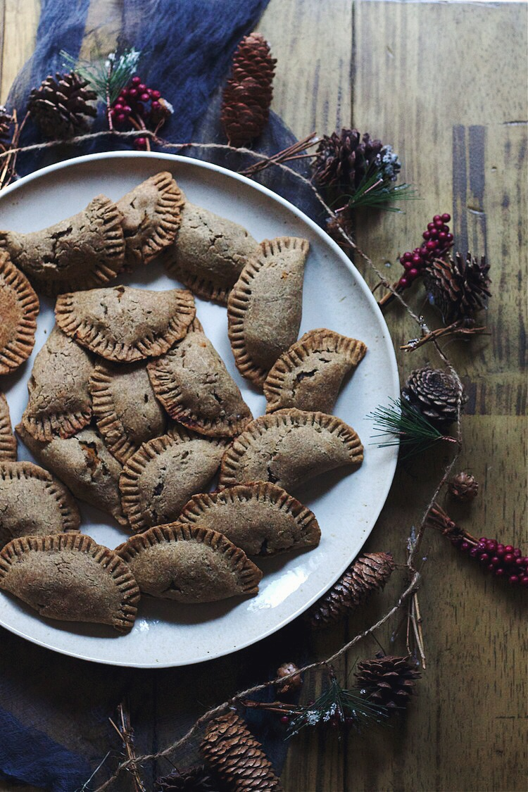winter-solstice-party_foodbymars_empanadas-black-bean-squash2.JPG