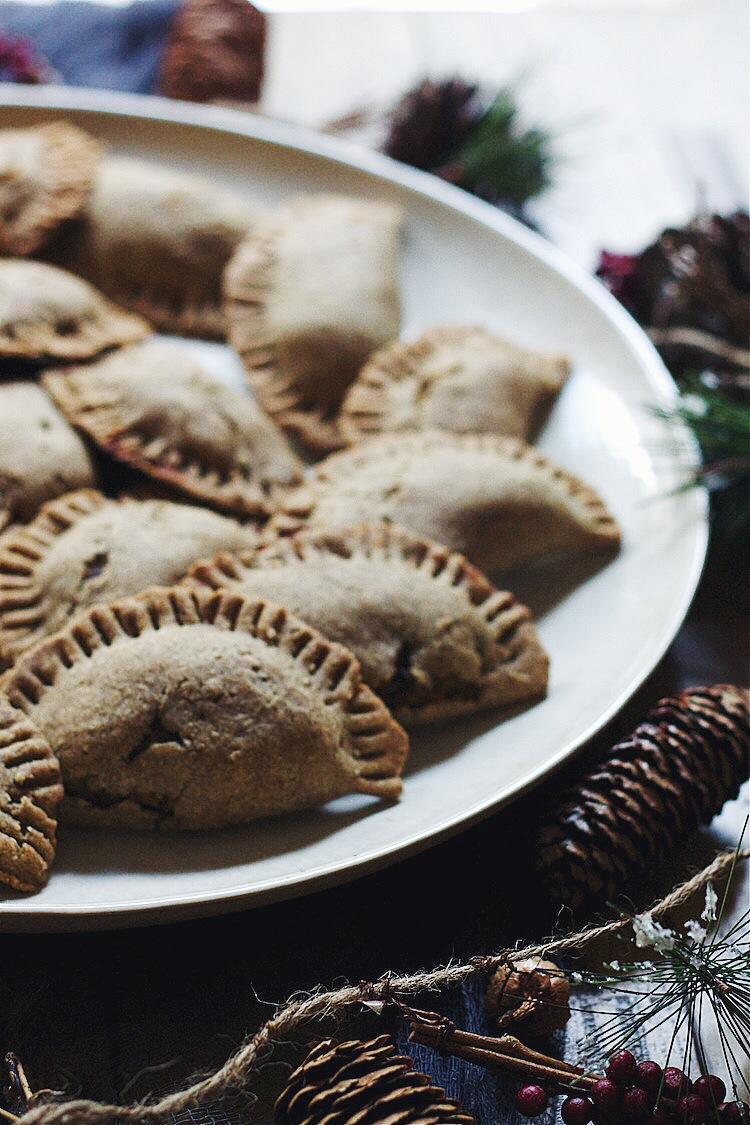 Black Bean-Squash Buckwheat Empanadas #glutenfree #vegan #foodbymars