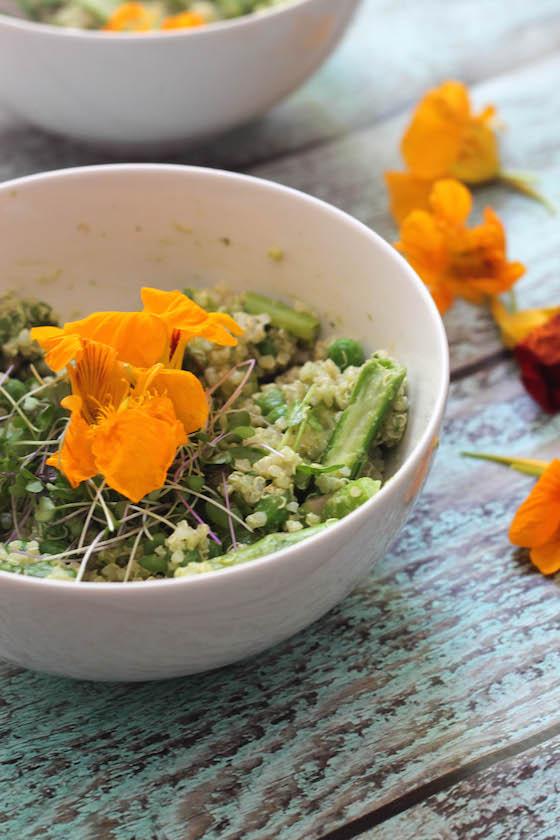 Spring Vegetable Quinoa Bowl w/ Spinach Pesto Sauce (gluten-free & vegan) - A perfect lunch!