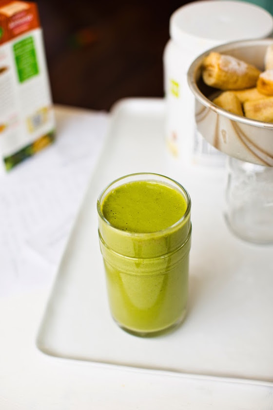 FROSTY AMAZING SWEET GREEN SMOOTHIE (with Plant-based Protein) by Healthy Happy Life