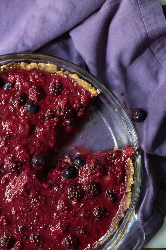 No-bake Berry Pie (Gluten-free & Vegan) via Food by Mars