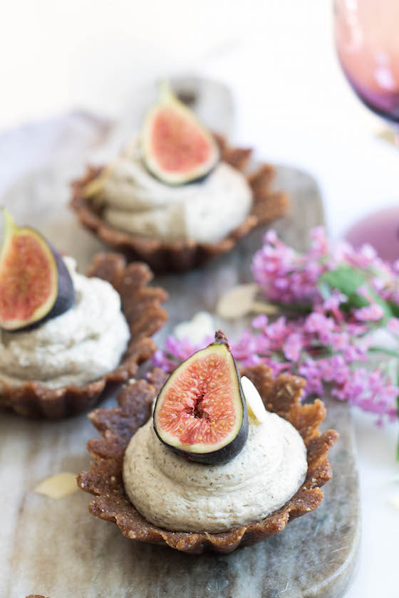 Raw Vanilla, Almond & Fig Tarts for Virgo Season via Food by Mars (vegan, gluten-free)