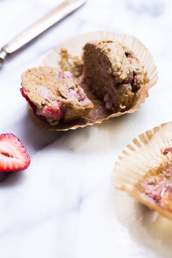 Grain-free Strawberry Tigernut Muffins (Vegan, Gluten-free, Paleo, No sugar added)