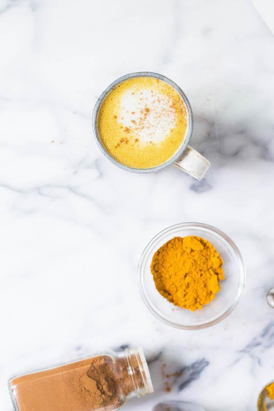 Pumpkin Spice Turmeric Latte (caffeine-free, dairy-free, vegan) via Food by Mars